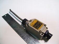 "OMRON WLNT LIMIT SWITCH WOBBLE TYPE NO/NC 10A/120-480VAC 3-1/2"" LONG ARM P4099A"