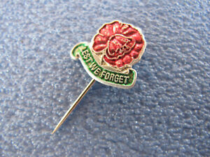 Lest We Forget Australian Poppy Day Badge Green band 20c PARKES