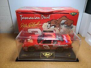 2000 Dale Earnhardt Sr #3 GM Goodwrench / Taz / No Bull 1:24 NASCAR Revell MIB