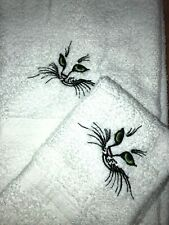 Embroidered White Bathroom Hand Towel & Cloth Set Cat Face Green  Eyes H1333