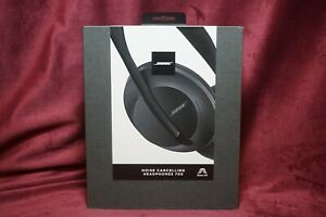 BOSE Noise Cancelling Over -the- ear Headphones 700 Black  NEW
