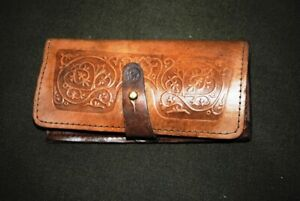 Bag for hunting cartridges. Put on your belt. Leather product. (6 rounds)