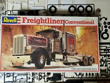 Revell Freightliner Conventional 1:24 - Open