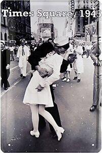 Times Square Kiss Convex Metal Sign 300mm x 200mm (jk) REDUCED