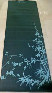 GAIAM Green Cherry Blossom Classic Yoga Mat NON SLIP lightweight 68 X 24''