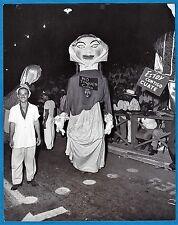 vintage photo Big Head dancers carnival Santiago Cuba Karneval foto ca 1963