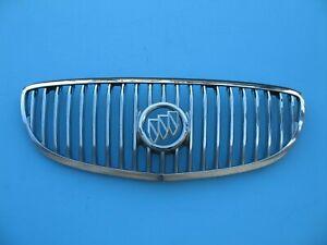 Buick GM OEM LaCrosse Front Bumper Grille Grill-Upper Seal Bracket 20919324