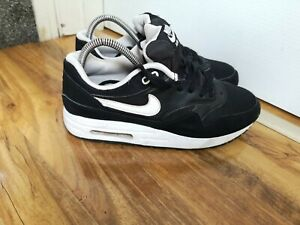 Nike Air Max 1 running lace up trainers, size 6 UK Black / White 807602 001