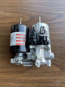 2010-2015 Toyota Prius Brake Booster Pump Actuator Abs  | 47070-47050 180 Days!