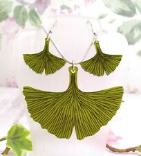 Unusual Silver Plated Green Ginko Leaf Pendant Necklace & Earring Set
