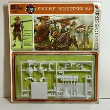 Vintage (1976) Airfix 54mm Collectors Series 01560 English Musketeer 1642