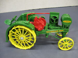 ERTL Die Cast 1/16th Scale John Deere 1915 Model R Waterloo Boy Tractor 559-3701