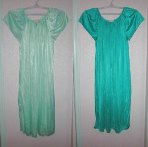 2X Lot COMFORT CHOICE Size 1X NIGHTDRESS Gown ROSETTE Short Sleeves NYLON Maxi