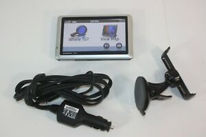 Garmin Nuvi 1450 GPS with GTM 26 Traffic Receiver Mounting Bracket Bundle