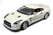 Merchandising Bburago - Nissan Gt-r 2009 1 18 (argento / Perla)
