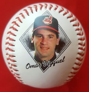 OMAR VIZQUEL #13 1997 Photo Baseball (1996 Stats) CLEVELAND INDIANS Jacobs Field