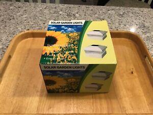NEW IN BOX Garden Plastic White 5 X 5 Outdoor Solar Post Cap Light