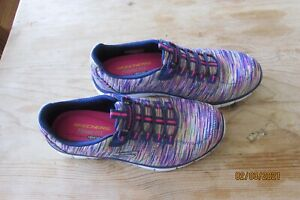 SKETCHERS RELAXED FIT MEMORY FOAM SLIP ON SHOES SIZE 7 Multicolor