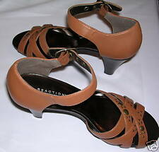 KENNETH COLE REACTION STUD STACKER SANDALS - 8M - NEW