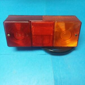 NOS OEM CASE CNH NEW HOLLAND 411778A1 RIGHT HAND TAIL LAMP LIGHT  *NO BOX 521D..