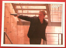 JAMES BOND - Quantum of Solace - Card #077 - Bond In Hot Pursuit