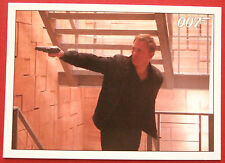 JAMES BOND - Quantum of Solace - Card #077 - Bond In Hot Pursuit