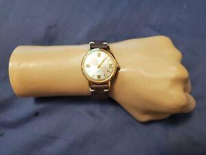 Vintage Caravelle N4 Bulova Water Resistant 17 Jewels Manual Wind Men's Watch