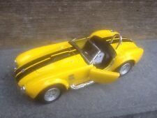 KINSMART SHELBY AC COBRA 1964 YELLOW 1/38 SCALE LENGTH 12 CM PULL-BACK MODELCAR