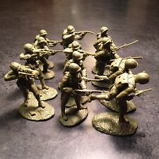 Austin Miniatures, Conte, TSSD 1/32 scale plastic figure WW2 US marines Khaki Gr