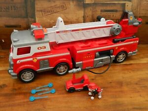 Paw Patrol Ultimate Rescue Ultimate Fire Truck - Complete with Accessories