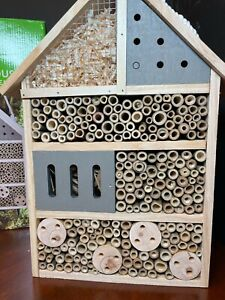 New Gardenline Bee and Insect House