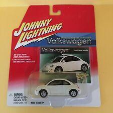 Johnny Lightning Volkswagen 2001 New Beetle White