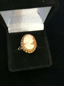 VINTAGE 14K YELLOW GOLD  SHELL CAMEO RING