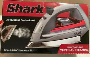 Shark GI305 Professional Lightweight 1500W Steam Iron