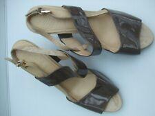 Ladies Clarkes Shoes  (size 7) (wide fit)