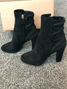 Lanvin Black Suede Criss cross Ankle Boots Size EU 35 Like new, only worn once