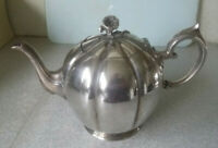 LOVELY ANTIQUE / VINTAGE SILVER PLATED PUMPKIN STYLE  TEAPOT -  7 INCHES TALL