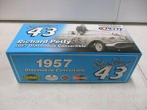 RC2 Richard Petty 1957 Oldsmobile Convertible 1/24