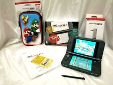 Nintendo 3DS XL Console - Metallic Black + Adapter + Yoshi Island + Carryin Case