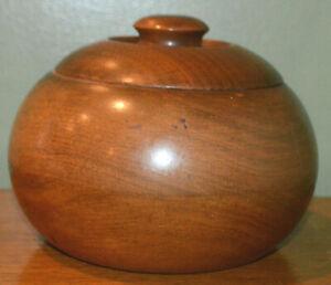 VINTAGE ROUND WALNUT PIPE TOBACCO HUMIDOR JAR