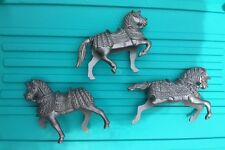 3 Medieval Castle Play Set Knights Horse Plastic VTG Toy Model Gray Grey Silver