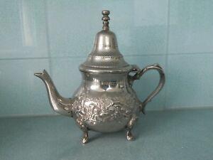 VINTAGE SILVER PLATED EMBOSSED ISLAMIC / ARABIC / MOROCCAN TEA / COFFEE POT