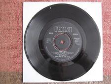 "DARYL HALL & JOHN OATES - FAMILY MAN - 7"" 45 rpm vinyl record"