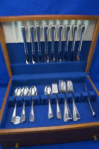 Gorham Ribbon Edge 32-Pcs-Dinner & Salad Fork-Tea & Table Spoons-Knives-Butter K