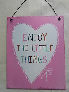 Heart  Plaque   Enjoy The Little Things  Sign  NEW  Shabby Chic   FREE POST