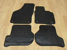 Golf Mk5 (R32) 2004-09 Fully Tailored RUBBER Car Mats in Black.