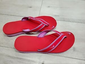Nike flip flops women size 9 Red