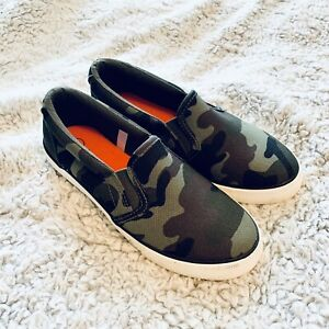 Cat & Jack Youth Boys Green Camo Canvas Slip On Sneakers Shoes Size 1
