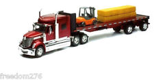 NEWRAY 1:32 INTERNATIONAL LONE STAR HAULER WITH FORKLIFT AND HAY BALES 10393