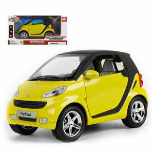 1:24 Smart ForTwo Model Car Diecast Toy Boys Gift Pull Back Vehicle Yellow